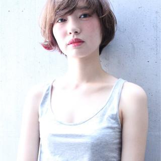 外国人風 ショート ピュア インナーカラー ヘアスタイルや髪型の写真・画像