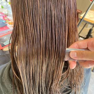 大人ハイライト セミロング ナチュラル ミルクティーグレージュ ヘアスタイルや髪型の写真・画像 | Nakaji. / ensue