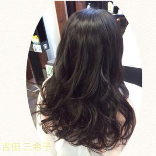 黒髪 ガーリー 巻き髪 ゆるふわ ヘアスタイルや髪型の写真・画像