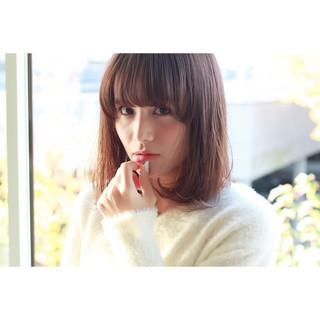大人かわいい 小顔 フェミニン ミディアム ヘアスタイルや髪型の写真・画像
