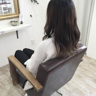 外国人風カラー ハイライト 大人かわいい 外ハネ ヘアスタイルや髪型の写真・画像