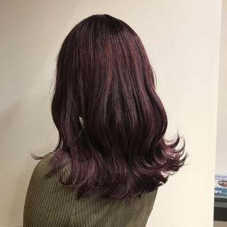 ラベンダーピンク 波ウェーブ ガーリー ダブルカラー ヘアスタイルや髪型の写真・画像
