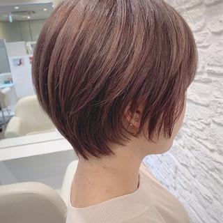 ナチュラル ショートヘア 小顔ショート シースルーバング ヘアスタイルや髪型の写真・画像