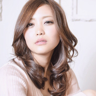 コンサバ フェミニン レイヤーカット セミロング ヘアスタイルや髪型の写真・画像