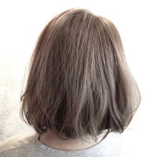 アッシュグレージュ 外国人風 ナチュラル グレージュ ヘアスタイルや髪型の写真・画像