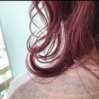 暖色 ラズベリーピンク ベリーピンク グラデーションカラー ヘアスタイルや髪型の写真・画像
