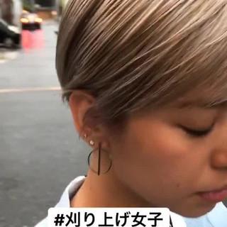 ハイトーン ショート モード 刈り上げ ヘアスタイルや髪型の写真・画像