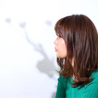 ヘアアレンジ アンニュイほつれヘア セミディ 外ハネ ヘアスタイルや髪型の写真・画像