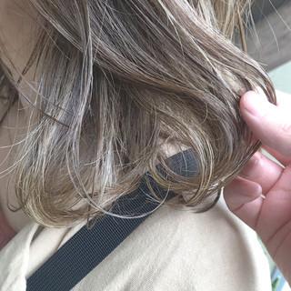 オフィス ナチュラル ミディアム ヘアスタイルや髪型の写真・画像