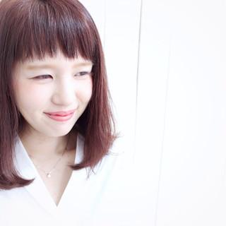 ショートバング ガーリー ミディアム ベリーピンク ヘアスタイルや髪型の写真・画像