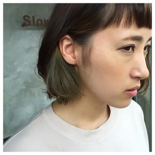 切りっぱなし アッシュ インナーカラー ストリート ヘアスタイルや髪型の写真・画像