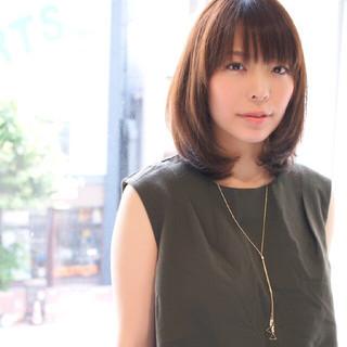ミディアム コンサバ ナチュラル 艶髪 ヘアスタイルや髪型の写真・画像