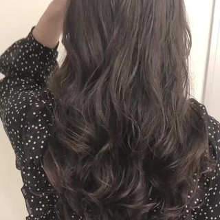 ゆるふわパーマ ロング デジタルパーマ ナチュラル ヘアスタイルや髪型の写真・画像
