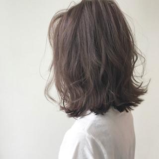 ミディアム 大人女子 外国人風 グレージュ ヘアスタイルや髪型の写真・画像