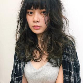 外国人風 ナチュラル パーマ セミロング ヘアスタイルや髪型の写真・画像