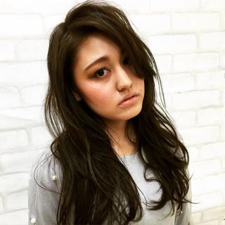 暗髪 ロング モード レイヤーカット ヘアスタイルや髪型の写真・画像