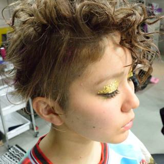 ツーブロック 外国人風 アッシュグレージュ アッシュ ヘアスタイルや髪型の写真・画像 ヘアスタイルや髪型の写真・画像