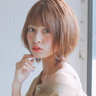 ナチュラル ショートボブ 大人かわいい レイヤーカット ヘアスタイルや髪型の写真・画像
