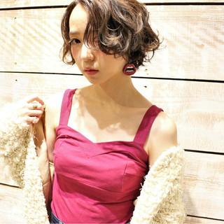 ゆるふわ 外国人風 ストリート パーマ ヘアスタイルや髪型の写真・画像 ヘアスタイルや髪型の写真・画像