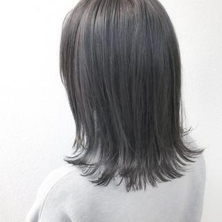アッシュグレージュ 外国人風カラー グレージュ モード ヘアスタイルや髪型の写真・画像 ヘアスタイルや髪型の写真・画像