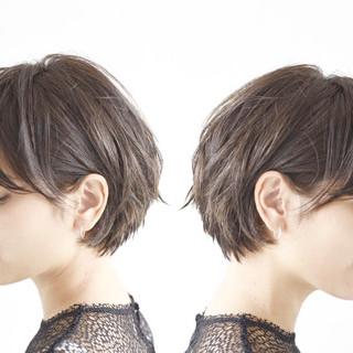 パーマ アンニュイほつれヘア ショート デート ヘアスタイルや髪型の写真・画像