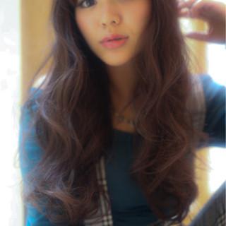 ロング ベージュ シースルーバング エアリー ヘアスタイルや髪型の写真・画像