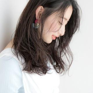 抜け感 フェミニン オフィス ウェットヘア ヘアスタイルや髪型の写真・画像
