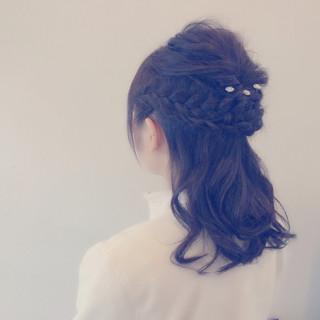 セミロング 愛され ハーフアップ ヘアアレンジ ヘアスタイルや髪型の写真・画像 ヘアスタイルや髪型の写真・画像