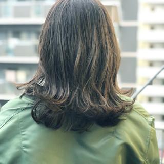 ダークアッシュ セミロング セクシー 暗髪 ヘアスタイルや髪型の写真・画像