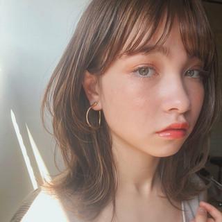 デート ミディアムレイヤー レイヤースタイル ミディアム ヘアスタイルや髪型の写真・画像