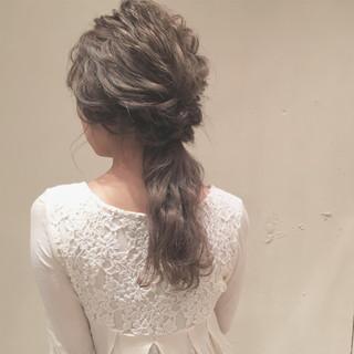 結婚式 ヘアアレンジ 大人かわいい ナチュラル ヘアスタイルや髪型の写真・画像
