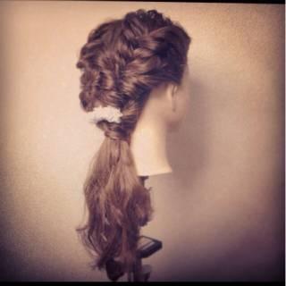 編み込み 簡単ヘアアレンジ ナチュラル 大人かわいい ヘアスタイルや髪型の写真・画像