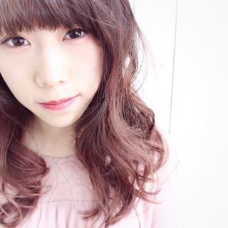 ピンク ガーリー 前髪パッツン ロング ヘアスタイルや髪型の写真・画像