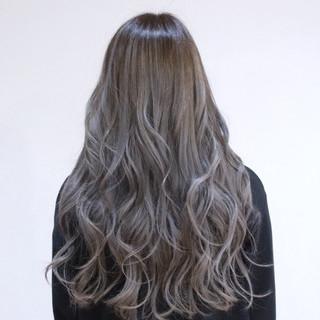 ロング 外国人風 バレイヤージュ 透明感 ヘアスタイルや髪型の写真・画像