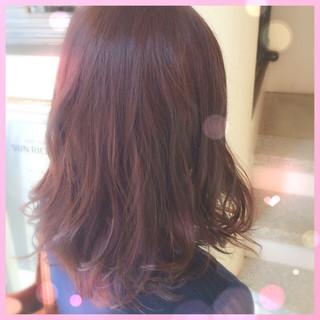 ミディアム ピンク ナチュラル ピンクアッシュ ヘアスタイルや髪型の写真・画像