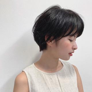 ハンサムショート アッシュ ナチュラル 黒髪 ヘアスタイルや髪型の写真・画像