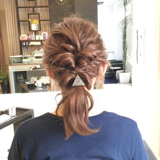 簡単ヘアアレンジ ショート ヌーディベージュ ベージュ ヘアスタイルや髪型の写真・画像
