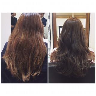 ハイライト ロング アッシュ フェミニン ヘアスタイルや髪型の写真・画像