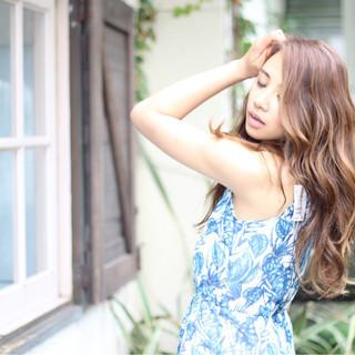 ヘアアレンジ ウェーブ フェミニン 外国人風 ヘアスタイルや髪型の写真・画像