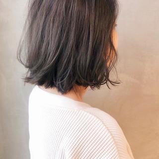 モテボブ スモーキーカラー ミニボブ ナチュラル ヘアスタイルや髪型の写真・画像