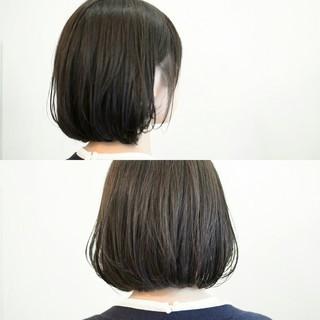グレージュ 大人かわいい 前髪あり ナチュラル ヘアスタイルや髪型の写真・画像