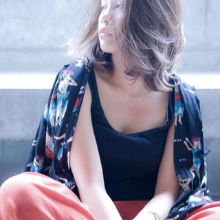 イルミナカラー 外国人風カラー ハイライト ミディアム ヘアスタイルや髪型の写真・画像