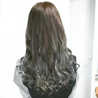アッシュ 外国人風カラー ハイライト コンサバ ヘアスタイルや髪型の写真・画像