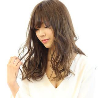 大人かわいい セミロング フェミニン 外国人風カラー ヘアスタイルや髪型の写真・画像