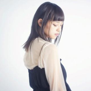 暗髪 モード ストレート アッシュ ヘアスタイルや髪型の写真・画像