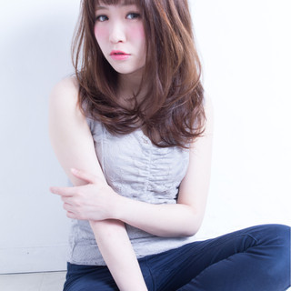 かわいい ゆるふわ セミロング フェミニン ヘアスタイルや髪型の写真・画像