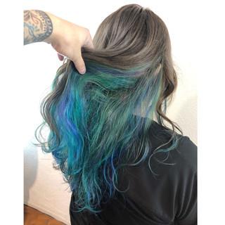 インナーカラー 個性的 ブルー モード ヘアスタイルや髪型の写真・画像