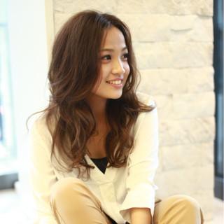 モード 艶髪 フェミニン 大人かわいい ヘアスタイルや髪型の写真・画像 ヘアスタイルや髪型の写真・画像