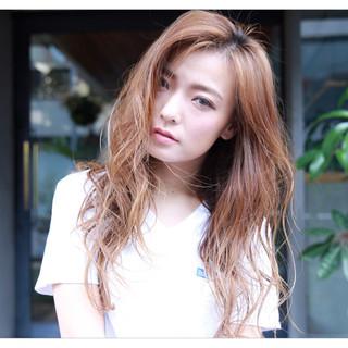 かき上げ前髪 ハイライト 外国人風 フェミニン ヘアスタイルや髪型の写真・画像