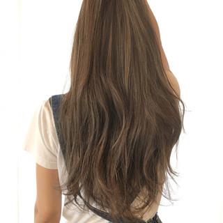 ロング 大人かわいい ブルーアッシュ ハイライト ヘアスタイルや髪型の写真・画像